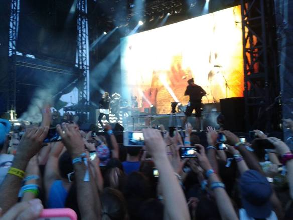 Some people could not break away from their smartphones at Osheaga